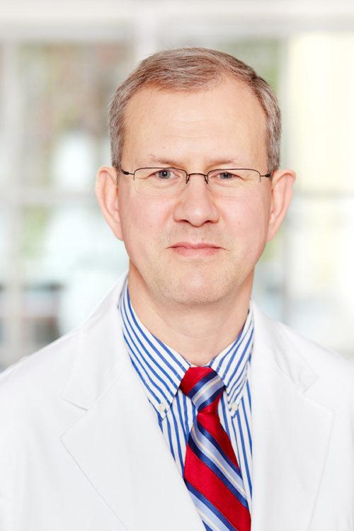 ķirurgs–onkologs, mammologs Jānis Eglītis