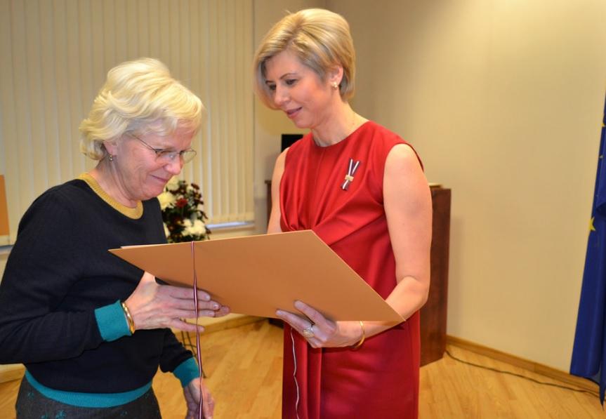 Apsveicam! Ginekoloģei Dr. Dacei Melkai piešķirts Veselības ministrijas Atzinības raksts!